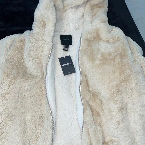 Forever 21 brand new fluffy jacket